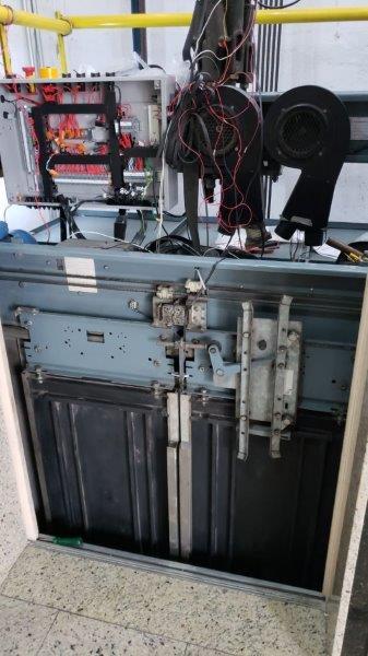 Serviço de manutenção de elevadores