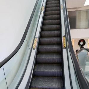 Serviços em escadas rolantes
